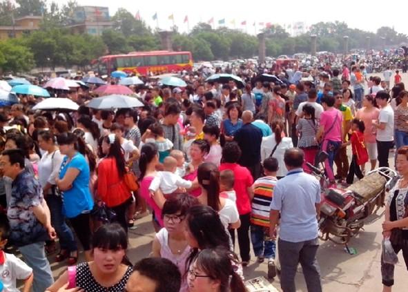 临汾 5.19中国旅游日 尧庙华门游客出现井喷