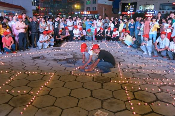 千盏稣油灯 为云南地震遇难者祈福图片