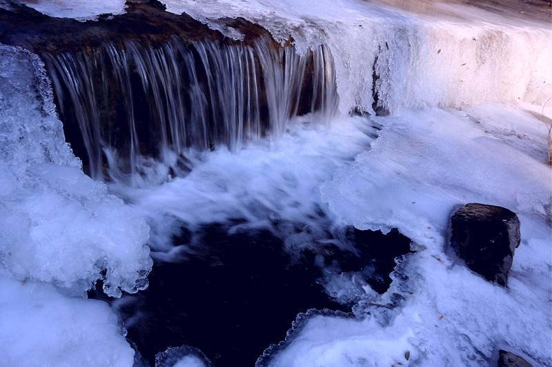 人民网平陆1月31日电 凤凰山龙陡峡景区位於运城市平陆县曹川镇下