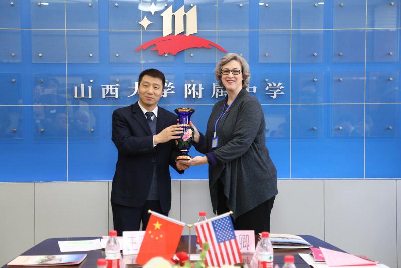 上海一高中到山西大学附属中学开展课题交流美国八大四大高中图片
