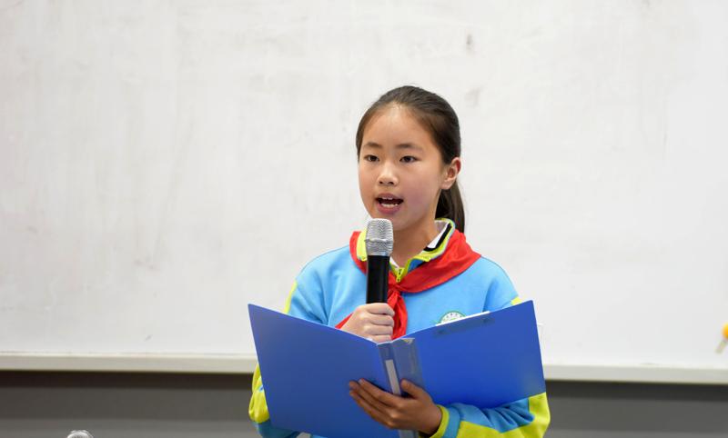 学生演讲简笔画