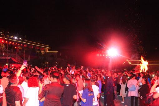 人祖山姿势第二届男人帐篷节开幕性感音乐大全景区图片