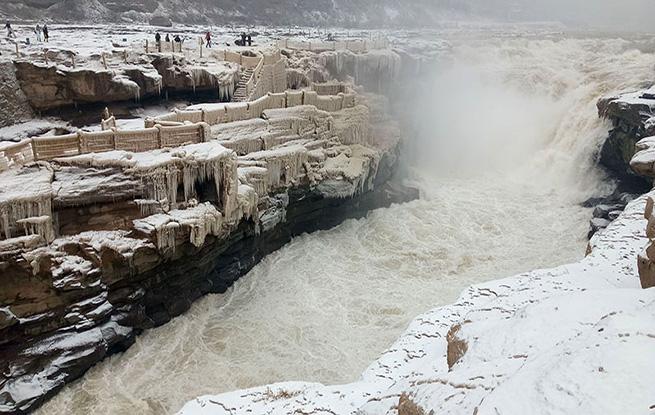 组图:黄河壶口瀑布雪后美景美不胜收