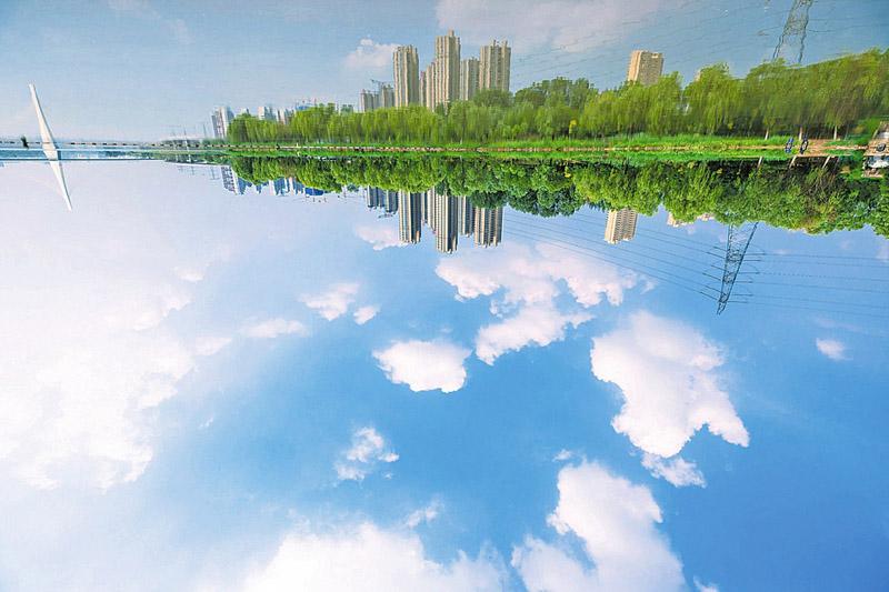 """山西母亲河""""风光美起来""""近年来,随着汾河流域生态修复工程的实施,曾经脆弱的汾河中段流域生态重现勃勃生机。【详细】"""