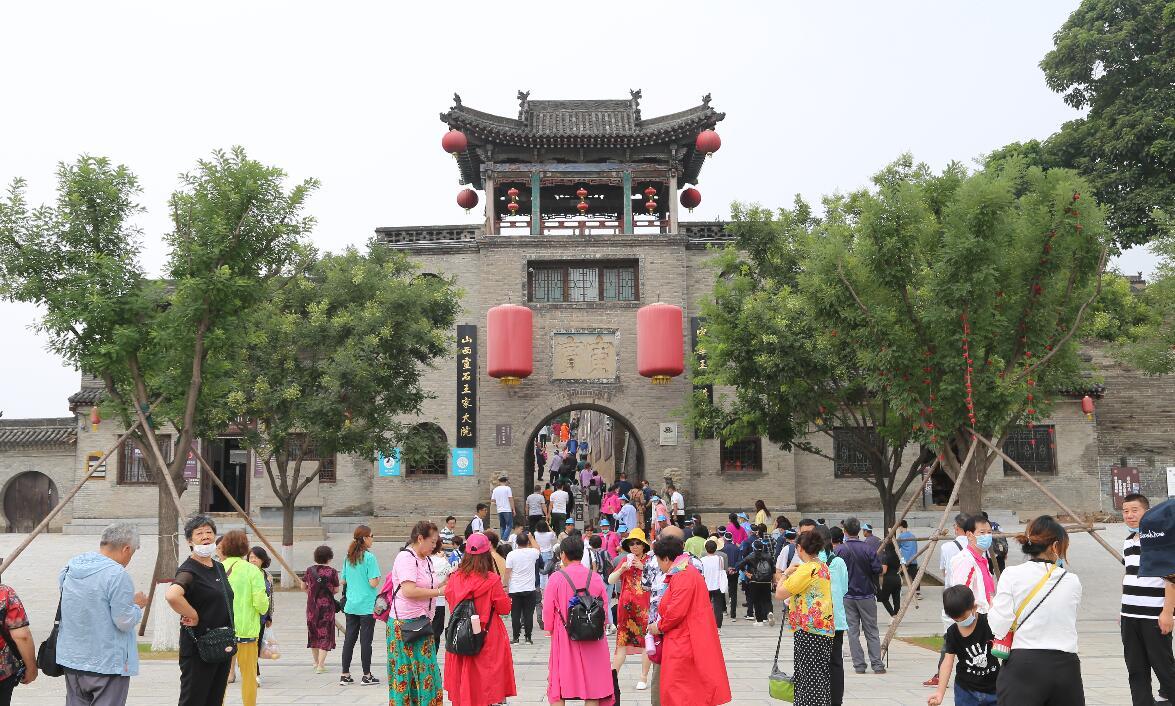 灵石:景区提档升级助力旅游市场升温
