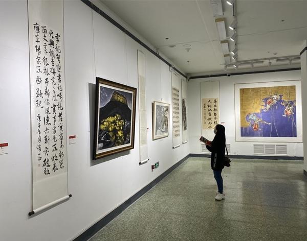 阳泉市书法美术作品展在并开展