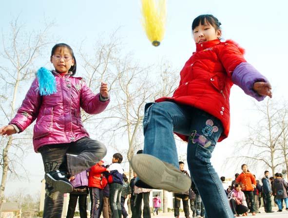 小学生加强锻炼强体能